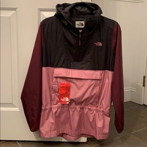 NWT North Face pull over windbreaker